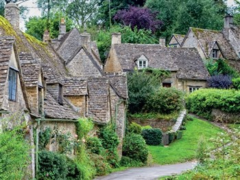 Golden Cotswolds Village Coach Tour