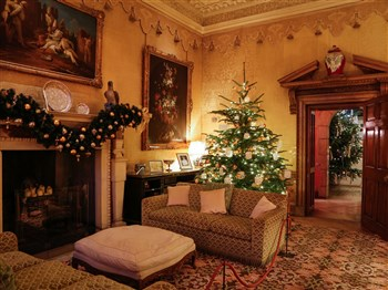 Leeds Castle at Christmas with a Christmas Lunch